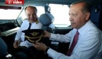 Erdoğan, Kokpitte Dünya Pilotlar Gününü Kutladı