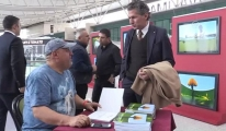 Esenboğa'da  Fotoğraf Sergisi video
