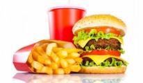 Fast-Food Yiyecekler Çocuk Gelişimini Olumsuz Etkiliyor