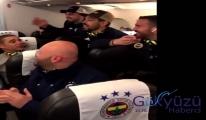 Fenerbahçe'nin Uçaktaki galibiyet sevinci(video)