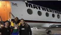 Floyd Mayweather Özel jetinin gövdesine adını yazdırdı!