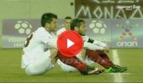 Futbolcular Maçta Mülteciler İçin Oturma Eylemi Yaptı