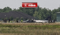 Gövde Üzerine İnen Pilot'a Madalya video