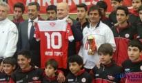 Hamdi Topçu'nun futbolcuları yine Şampiyon