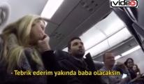 Hamile olduğunu uçakta anonsla duyurdu!video