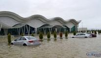 Hatay Havaalanı'nda yüzen arabalar!