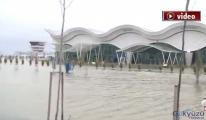 Hatay Havaalanı trafiğie kapatıldı!video