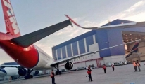 Havalimanı'nda A350 ve B777 çarpıştı