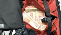 Havalimanı'nda Bir Bavul Döviz Ele Geçirildi