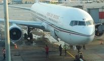 Havalimanı'nda yolcu uçağını su bastı