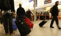Havalimanlarında check-in kaosu