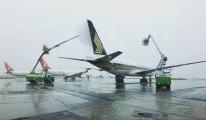 Havaş uçakları buza karşı korudu!