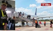 Hostes Battaniye İçin Yolcuyla Kavga Etti video