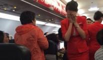 Hostes uçakta öldü!