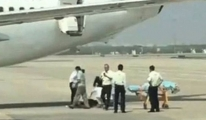 Hostes Uçaktan Düştü! video