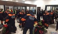 İBB arama kurtarma ve yardım ekipleri Elazığ'a gitti