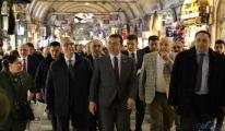 İBB Başkanı Ekrem İmamoğlu, tarihi Kapalıçarşı'da