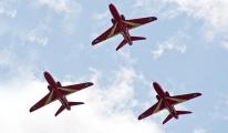 İngiltere'de Hawk T1 tipi eğitim uçağı düştü