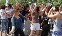 İşsiz kalan hostesler Harlem Shake Dansı