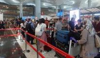 İstanbul Havalimanı'nda bayram yoğunluğu sürüyor