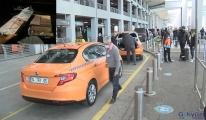 İSTANBUL Havalimanı taksi şoförü 300 bin euro buldu(video)