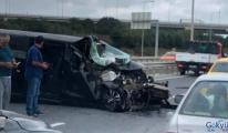 İstanbul Havalimanı yolunda hafriyat kamyonuna çarptı