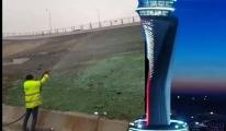 İstanbul Havalimanı'nda ilginç çim ekimi!video