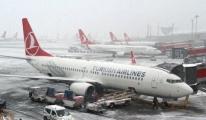 İstanbul'da Hava Ve Deniz Ulaşımına Kar Engeli!