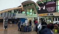 İtalya'da ülke genelinde 23 havaalanı ulaşıma açıldı.