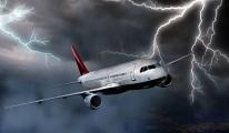 İzmir-Adana Seferini Yapan Uçağa Yıldırım İsabet Etti