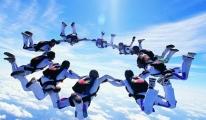 İzmirli Paraşütçüler rekora hazırlanıyor