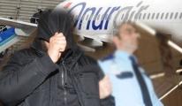 Onur Air Uçağında Kaçak Yolcu Yakalandı video