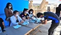 Kapadokya'da yerli turistler aşılanıyor#video