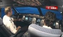 Kaptan Pilot, Kule Uçak Yere Çakılıyor video