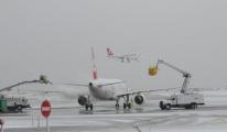 Kar nedeniyle THY'de bazı uçuşlar iptal edildi