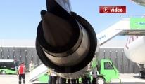 Katar Uçağının Motoru Havada Patladı