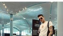 Kerimcan Durmaz havalimanındaki fotoğrafını kaldırdı!