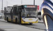 Klimasız İETT otobüsü yolcuları bunalttı!