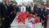 Koca Seyit'in Kabrini Ziyaret Ettiler