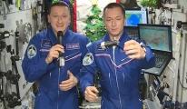 Kozmonotlar 2021'e Uzay İstasyonu'nda (video)