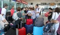 Küba Tatilcileri Havalimanında Mağdur Oldu