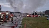 Küçükçekmece'de kağıt ve ambalaj fabrikasındaki yangın