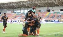 Ligin tek namağlup takımı Aytemiz Alanyapor