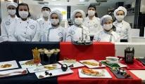 #Liseli aşçılar vegan yemekler için mutfakta