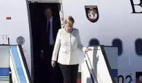 Merkel'i taşıyan uçak Atatürk Havalimanı'na indi!
