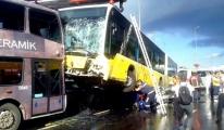 Metrobüs Kazasında Yaralananlar Hastaneye Kaldırıldı