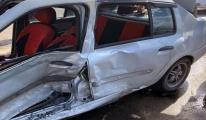 Minibüsün çarptığı otomobilin sürücüsü öldü