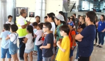 Öğrenciler Koca Seyit Havalimanı'nda