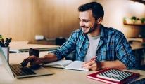 Online eğitim pazarı üniversitelerin desteğiyle büyüyor