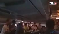 Onur Air ucağında yolcular havasız kaldı!video